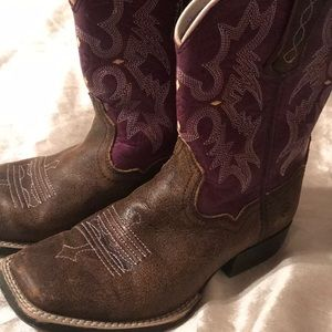 Other - Lariat plum tombstone boots